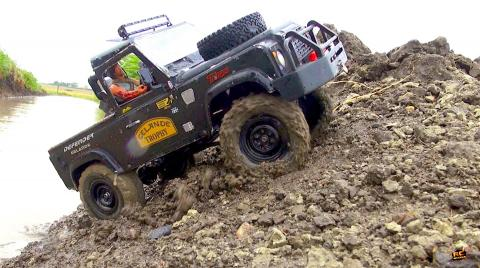 RC ADVENTURES - Gettin' SLOPPY at the Mud Hole! Land Rover D90 4x4 Trail Truck - Test: Waterproofing