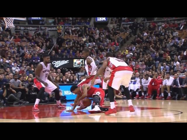 Derrick Rose Injury vs Raptors 11-13-2014