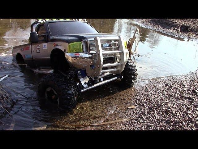 RC TRAIL FORD F350 SPRING EXPEDITION IN SAND & WATER TERRAIN