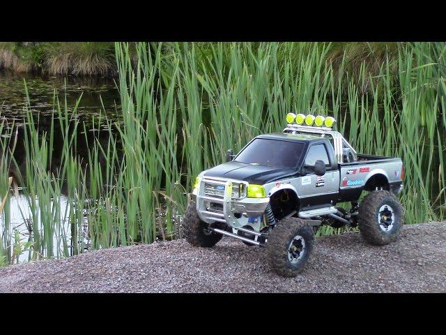 RC TRAIL FORD F350 HIGH LIFT EXPEDITION IN THE WILD