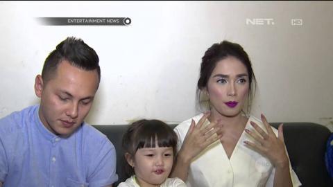 Ussy Sulitiawati Jalani Sesi Pemotretan Ditemani Suami