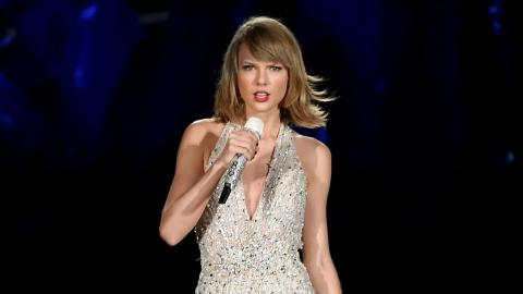 Taylor Swift's 2015 AMAs Absence Explained!