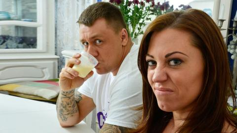 Breast Milk Bodybuilder: My Husband Drinks Women's Milk
