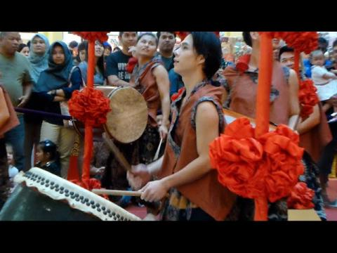 2016 Suria KLCC Chinese New Year Hands Percussion Performance ( 2 )