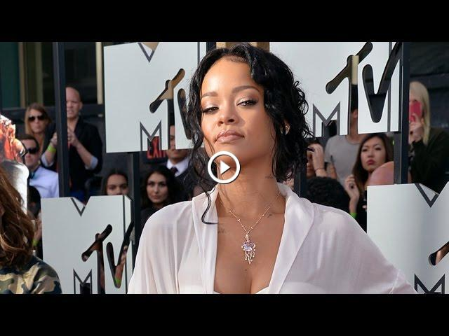 Rihanna In Nude Photo Scandal 39