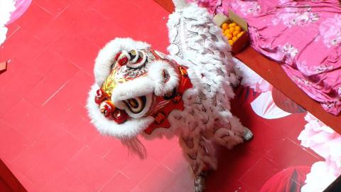 Kun Seng Keng acrobatic Lion Dance at One Utama